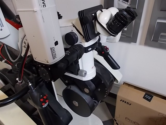 microscopio-operatorio-leica-ohs1-2