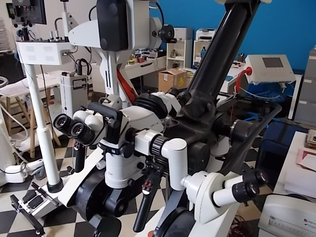 microscopio-operatorio-leica-ohs1-3