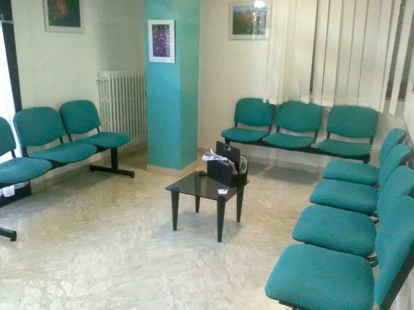 Kit 13 Posti a sedere (4 panche) per formare una sala di attesa