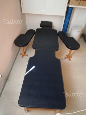 Lettino posturale in legno con imbottitura in gomma piuma